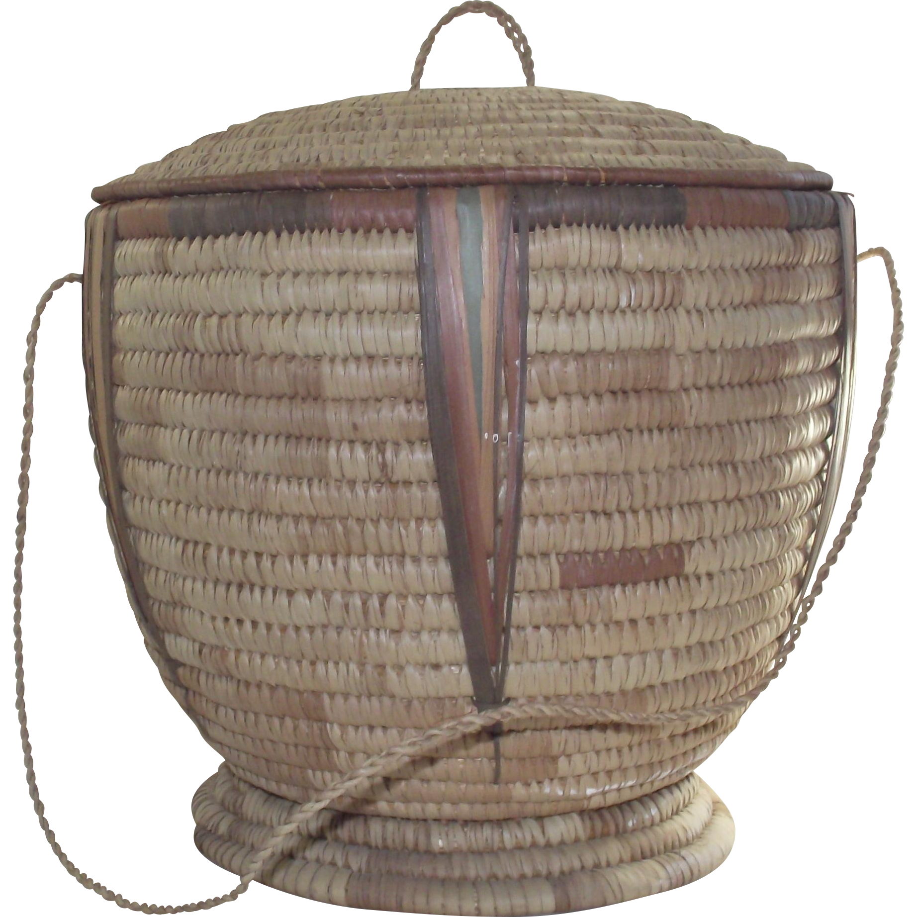 hand woven african basket with lid from botswana africa from bonnieboswellantiques on ruby lane. Black Bedroom Furniture Sets. Home Design Ideas