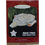 Vintage Star Trek Deep Space Nine DS9 USS Defiant 1997  Hallmark