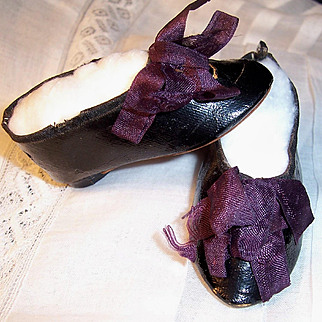 "ON SALE Antique Doll Shoes 2 5/8"" x 1 1/8"" for French or German Fashion Lady w Heels & Stockings"