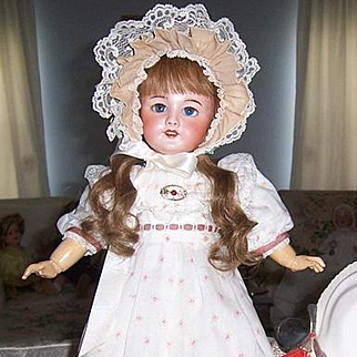 """Smiling 18"""" SFBJ 301 Paris 7 Antique French Doll on Orig Body w Orig. HH Wig. A Sweetheart!"""