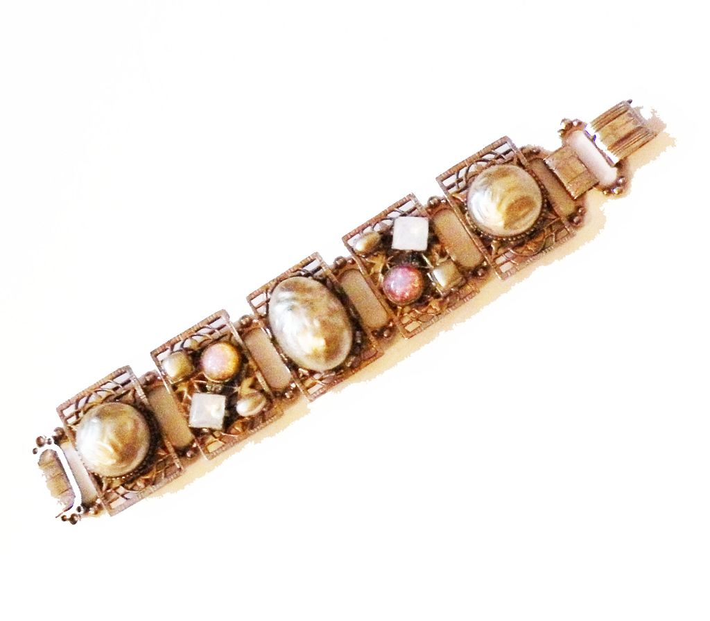 Imitation Mabe Pearl and Dragon Egg Rhinestone Panel Bracelet