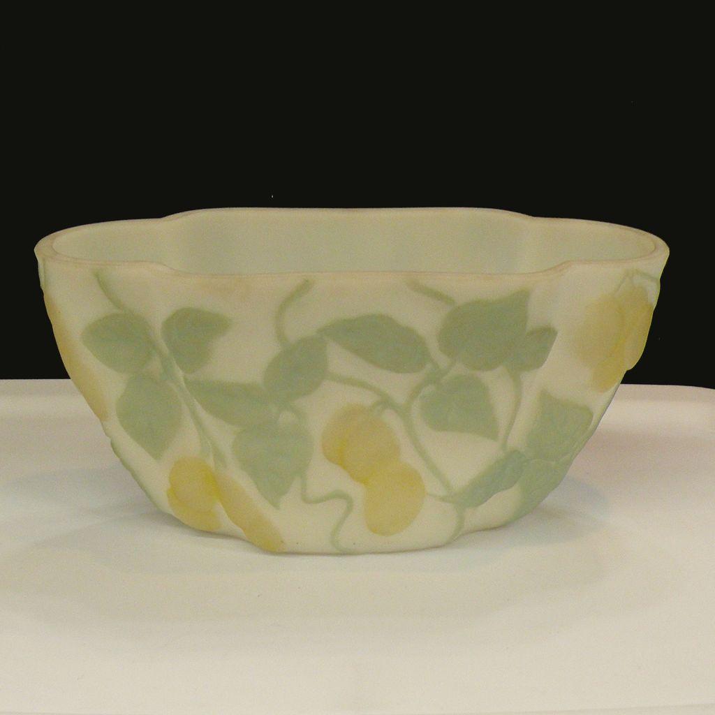 PHOENIX Art Glass Tri Color Shaped Vase or Flower Basket
