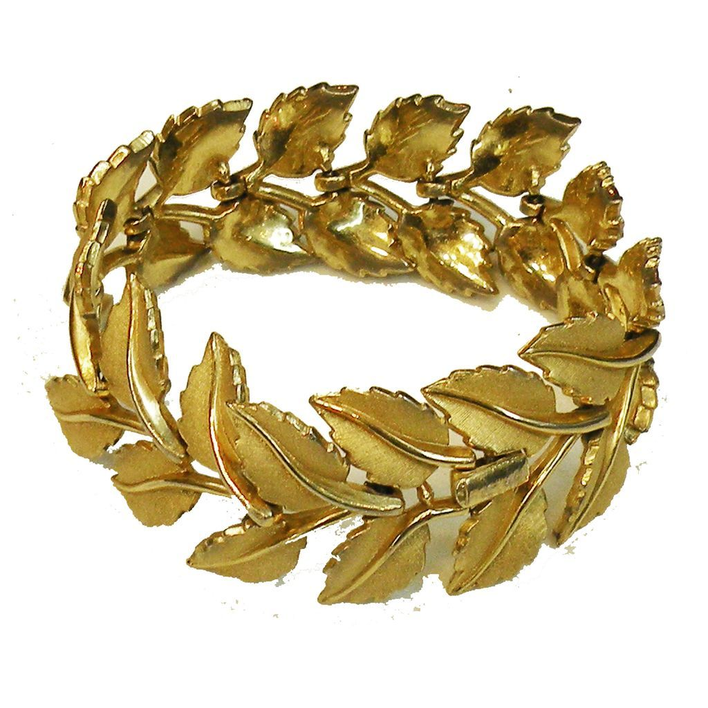 CROWN TRIFARI Articulated Link Leafy Florentine Matte Gold Tone Soft Bracelet