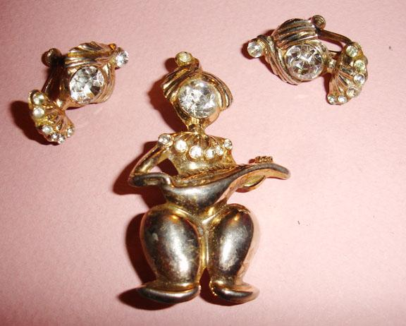 1940's Mandolin Playing Genie Brooch and Earrings