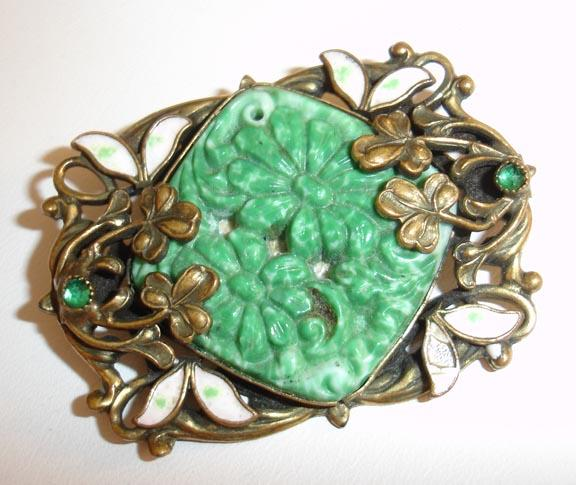 Very Old, Very Victorian Cut Green Stone Brooch 1900-1920