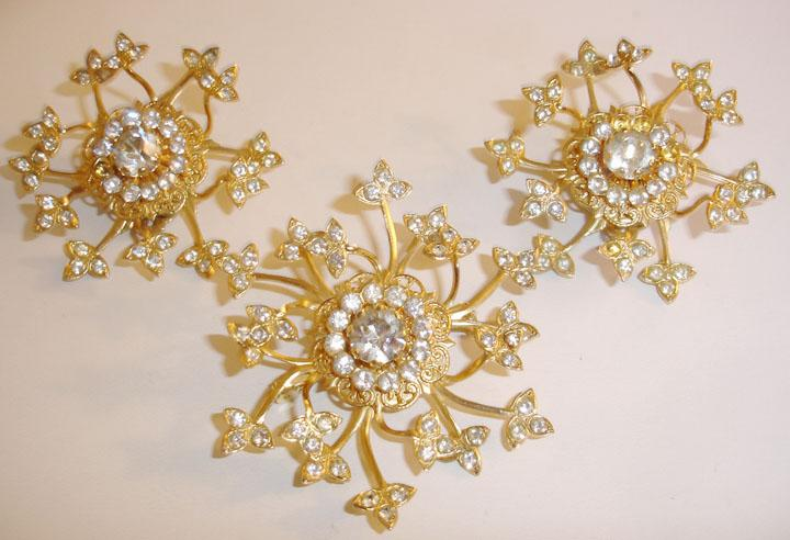 Vintage Swirling Rhinestoned Floral Brooch and Earrings