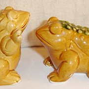 Big Bloated Bull Frog Salt and Pepper Shakers