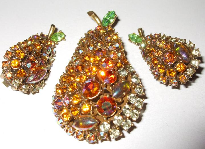 Signed ART Juicy Rhinestone Pear Brooch and Earrings Parure