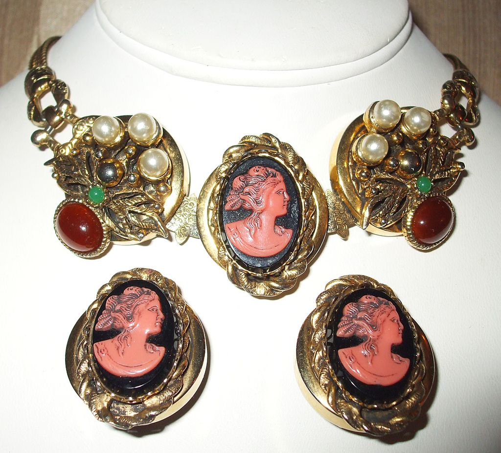Especially Beautiful Unsigned Selro Cameo Necklace and Earrings 1950's