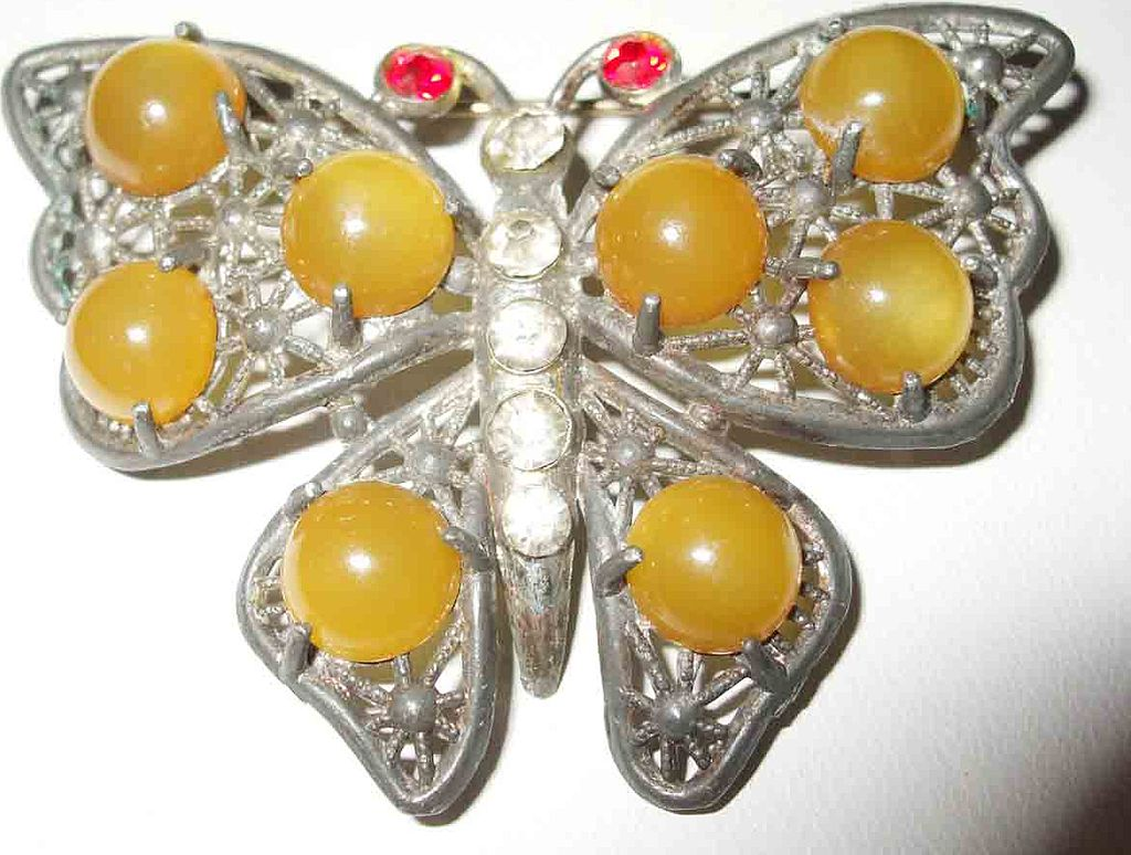 Beautiful Lemon Drop Cabochon Filigree Figural Butterfly Brooch
