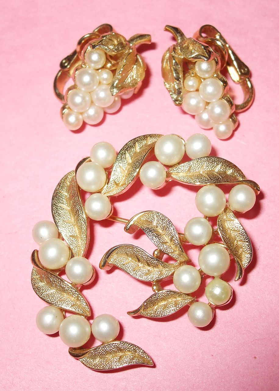 Crown Trifari Brushed and Etched Figural Brooch and Earrings
