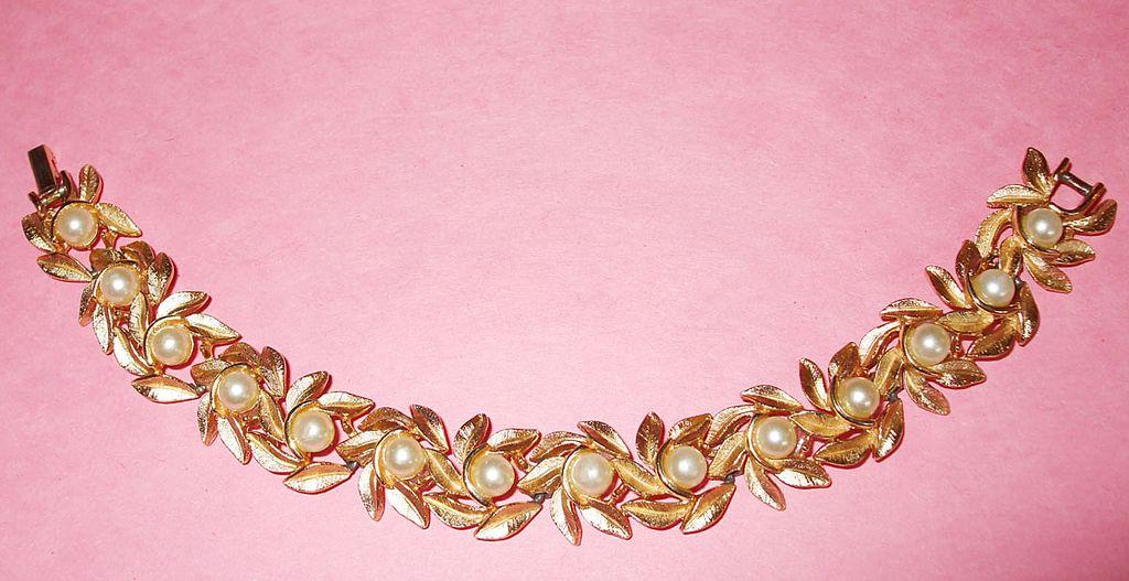 Signed AVON Imitation Pearl and Leaf Spring Bracelet