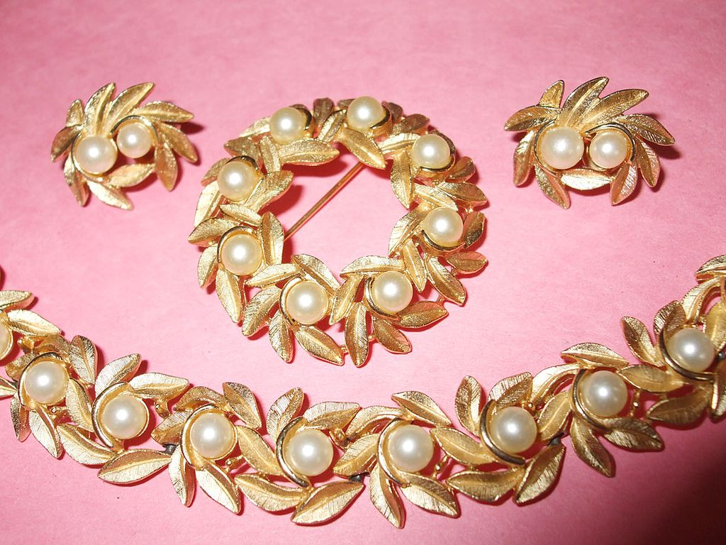 Signed AVON Bracelet, Brooch and Earrings Set with Imitation Pearls