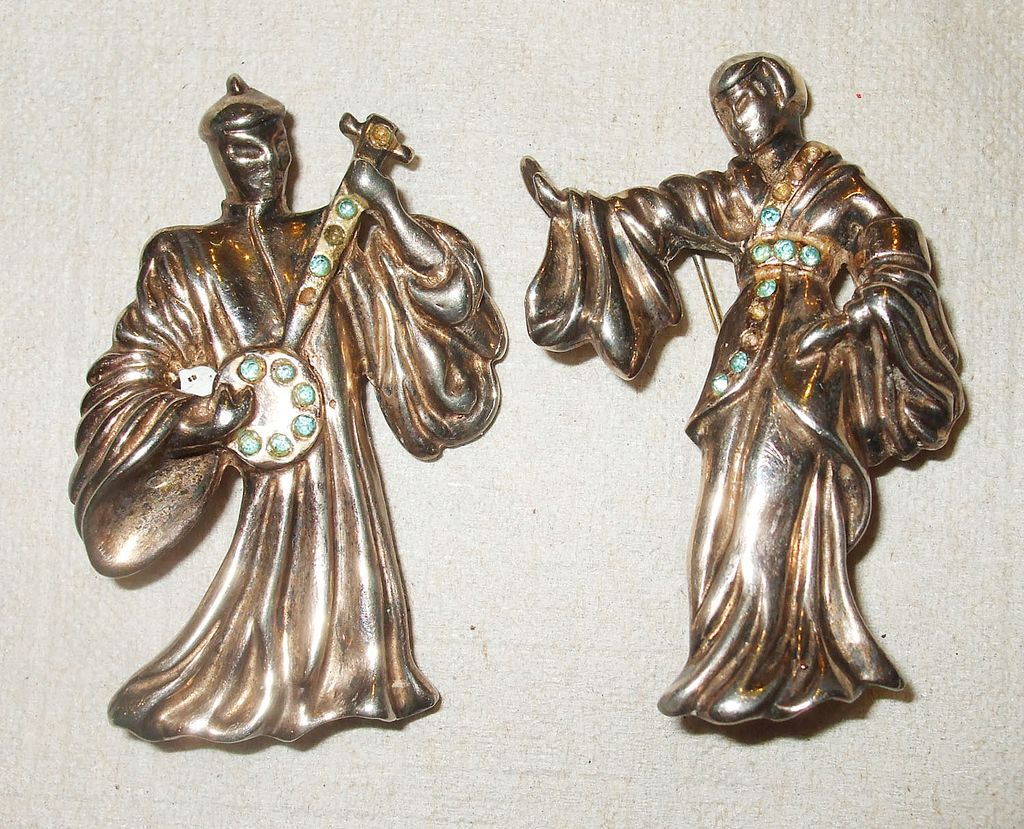 1940s Musical Sterling Couple with Peridot Rhinestones Figural Set