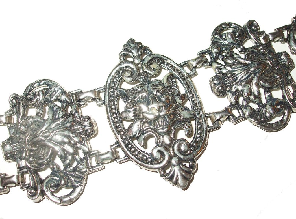 Gothic Mythical Lion Figure Headed Scroll Work Bracelet