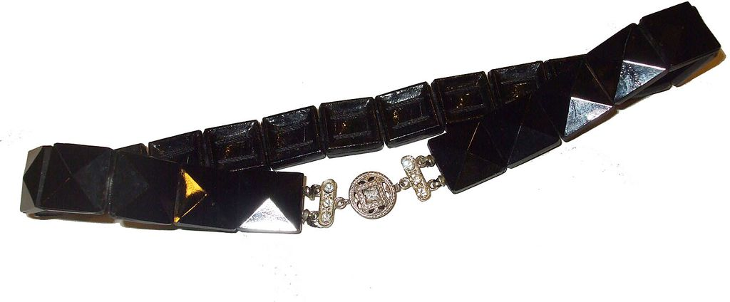 Art Deco Point Up Square Stone Black Necklace with Rhinestone Clasp