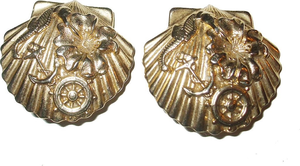 1980s Nautical Seashell Clip Back Earrings