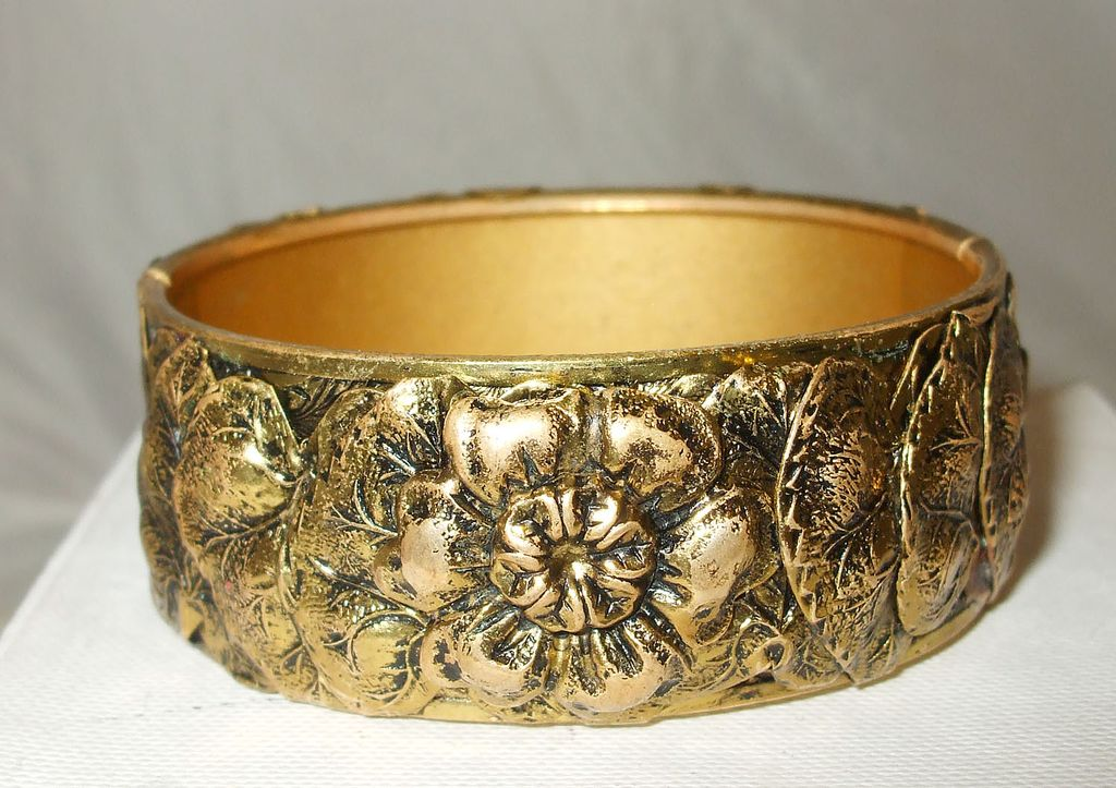 Wide Applied Leaf and Flower Repousee Locking Clasp Bangle Bracelet