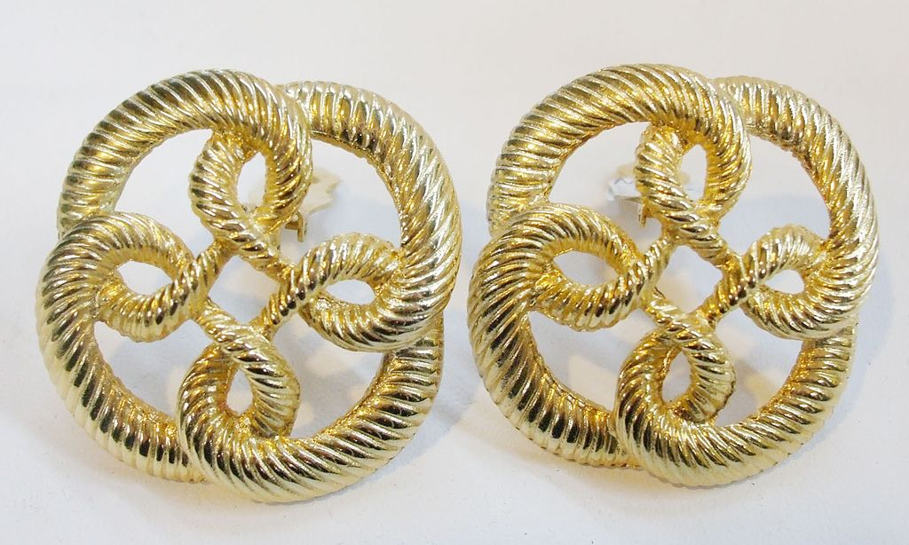 1980s Braided Texture Pretzel Earrings