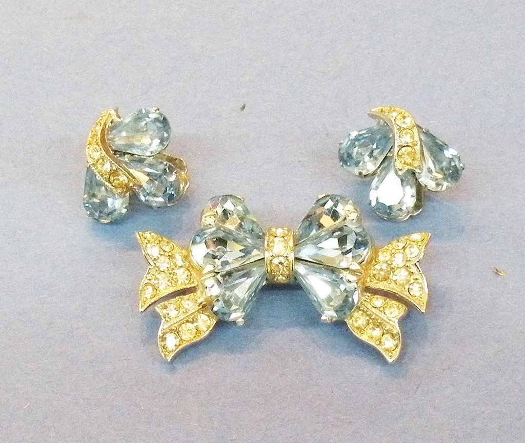 EISENBERG Ice Blue and Clear Rhinestone Bow Brooch and Earrings