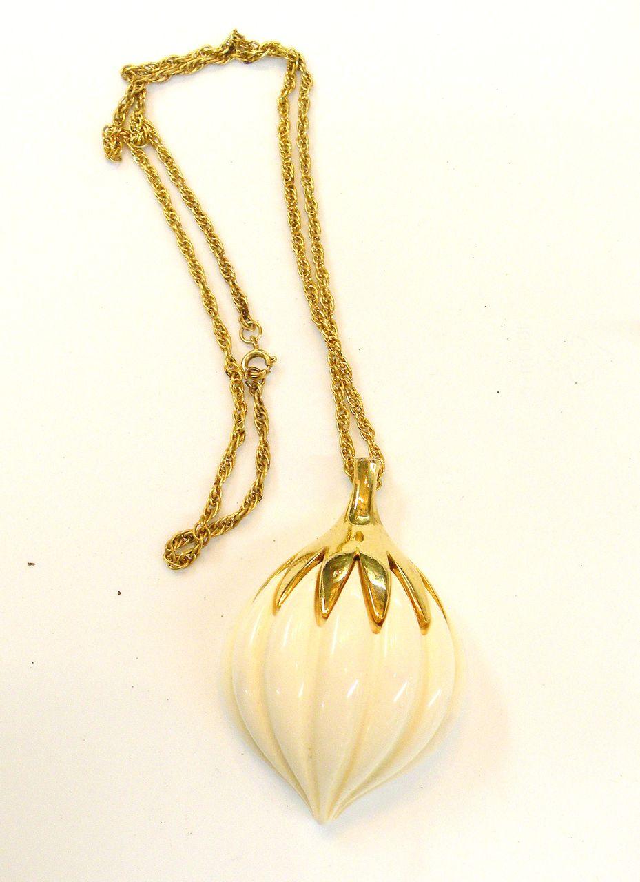 TRIFARI Bone Colored Molded Gourd Pendant Necklace