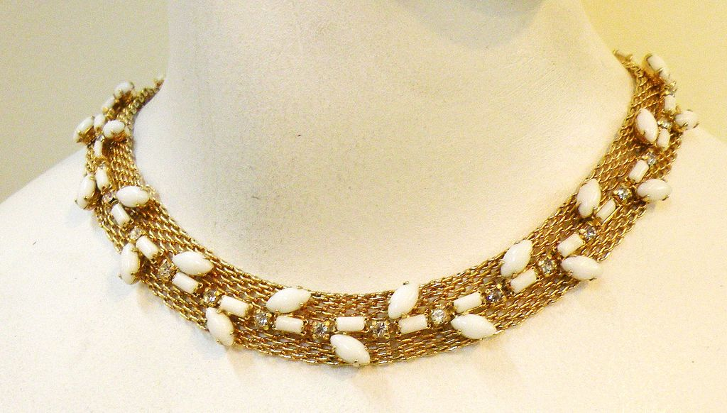HATTIE CARNEGIE White Milk Glass and rhinestone Mesh Choker Collar Necklace