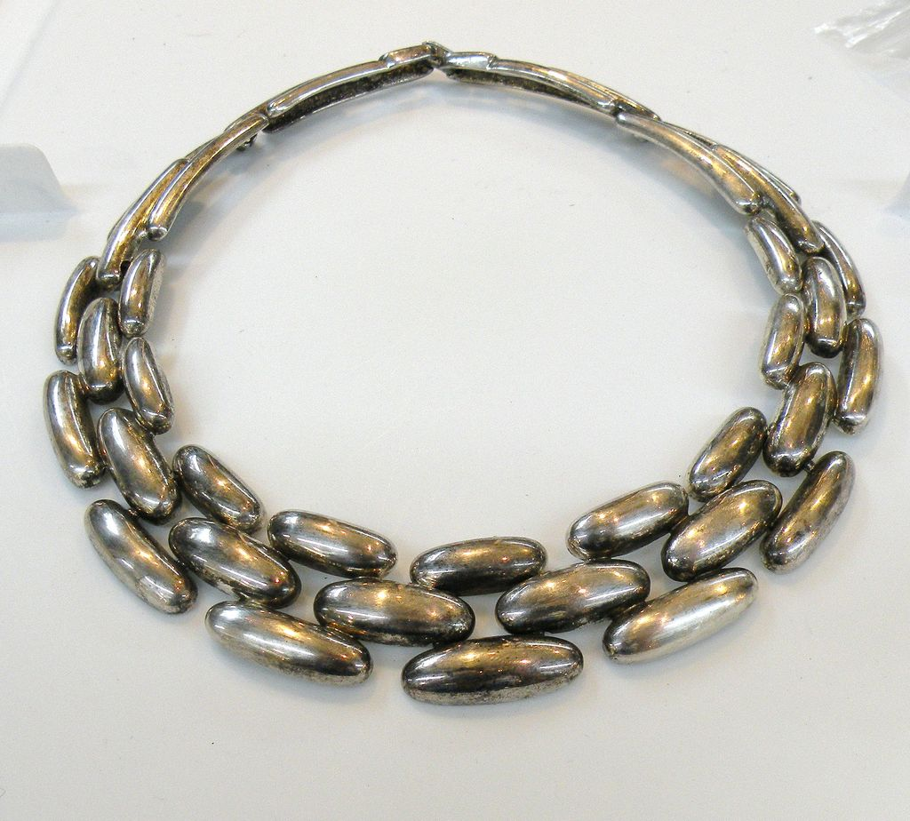 GIVENCHY Dark Silver Tone Metal Classic Link Necklace