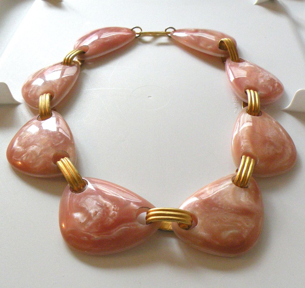 Mottled Pink French Lucite Modernist Necklace
