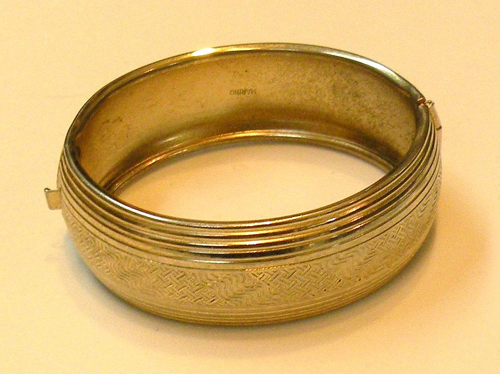 MARINO Etched Hinged Domed Bangle Bracelet