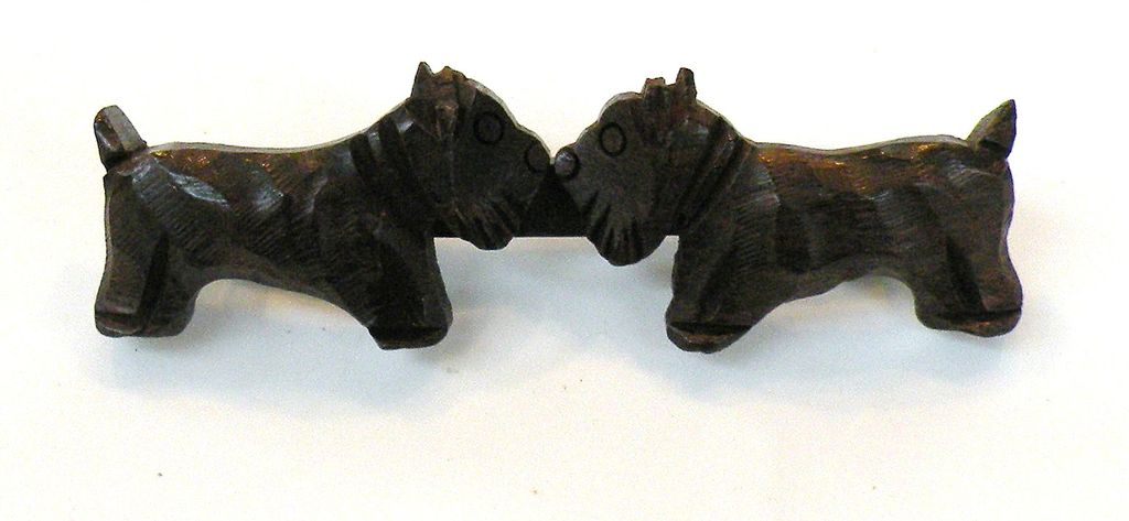 1940s Wood Double Scotty Figural Dog Brooch