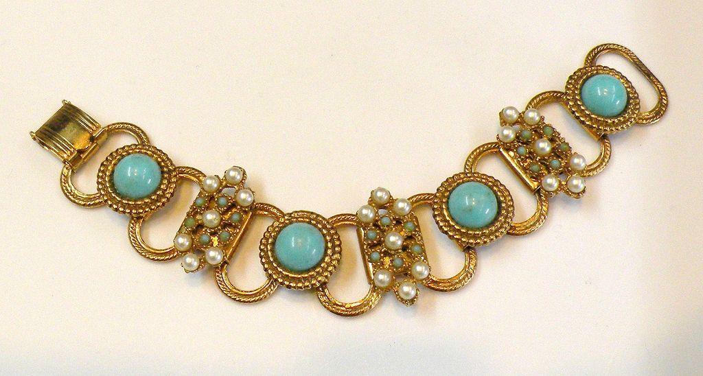 Turq and Imitation Pearl Heraldic Link Bracelet