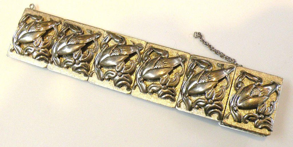 Seven Link Mesh Back Repousee Corn Stalk Modernist Bracelet
