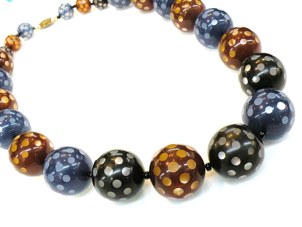 Spotted Ball Tri Color Variegated Bead Necklace