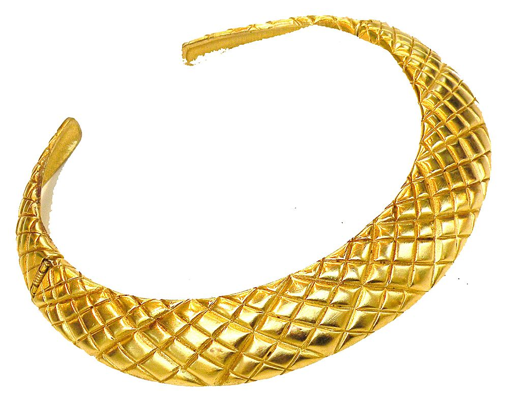 Diagonally Textured Hinged Collar Necklace