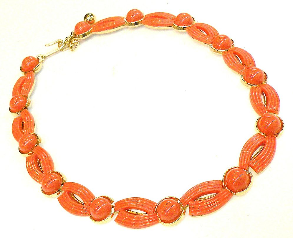 TRIFARI Coral Colored Plastic Ridged Choker Necklace