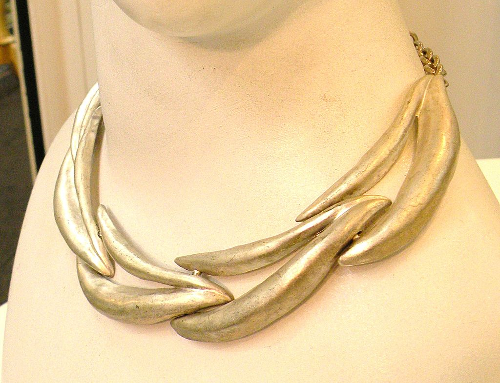 Matte Silver Tone Articulated Wavy Sculptural Necklace