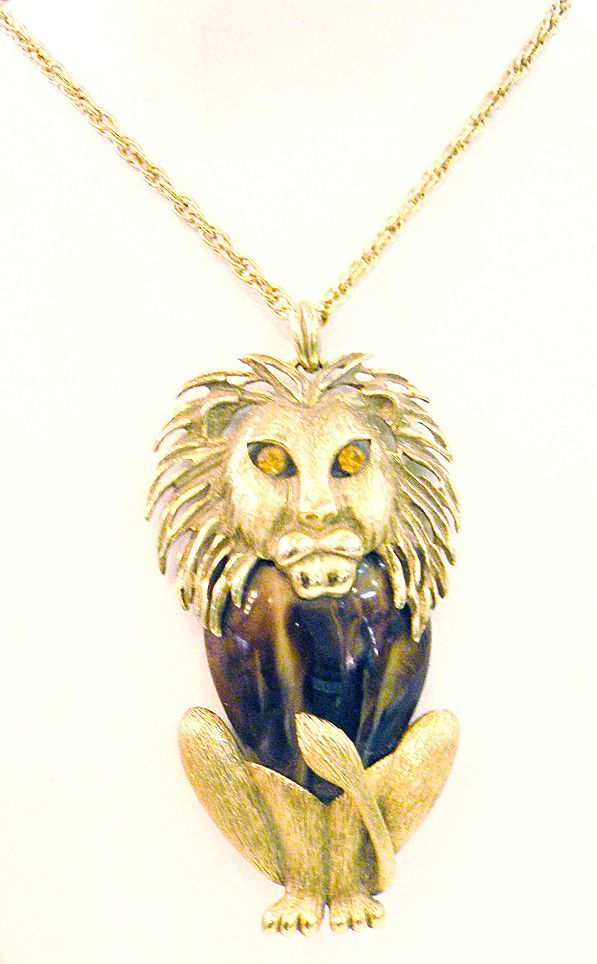 Sitting Proud Lion Pendant Necklace with Amber Eyes