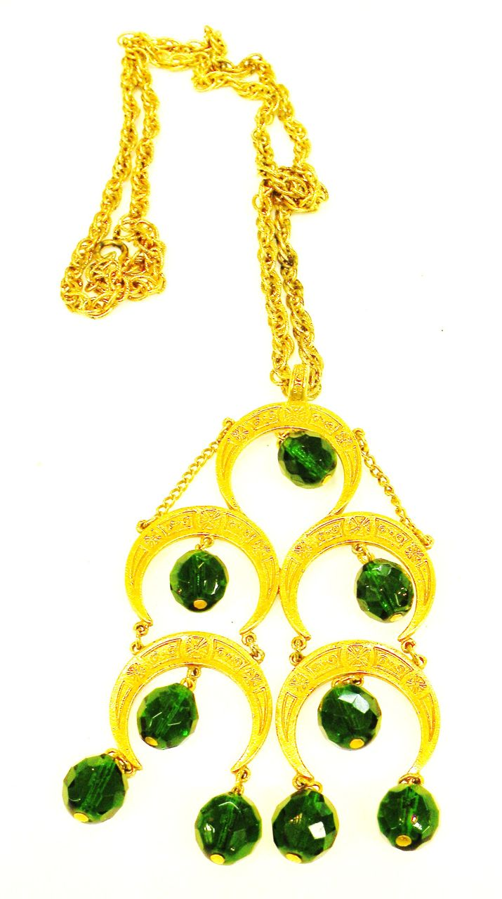 VENDOME Dangling Green Bead Persian Inspired Pendant Necklace