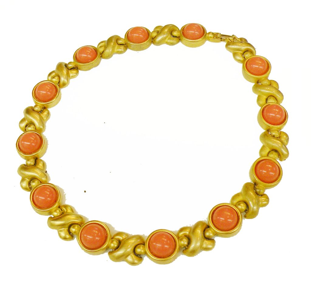 1980s Lovely Ladylike High Domed Coral Cabochon and Matte Finish Link Necklace