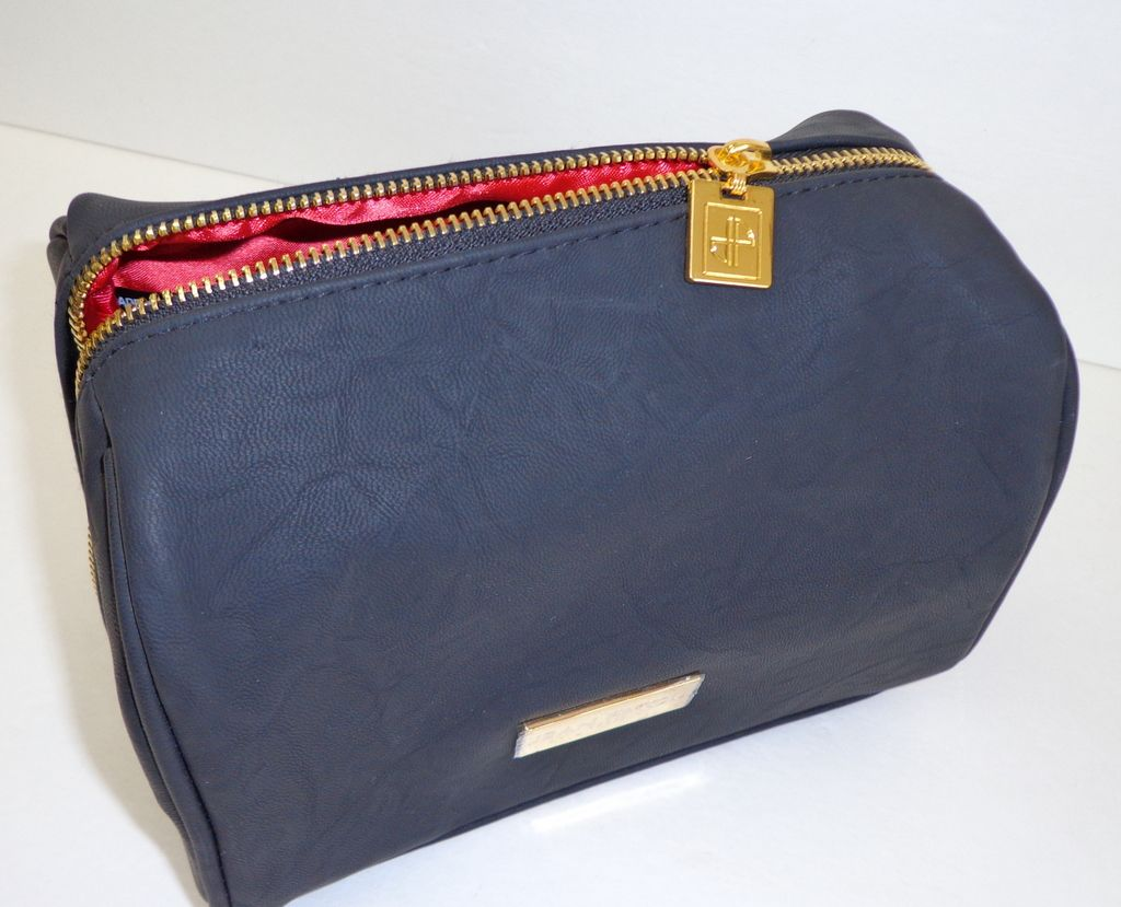 Jean Patou Cosmetic / Travel / Jewelry Case.  Black. Faux Leather.  Luxury ++.  Immaculate / As New Condition.