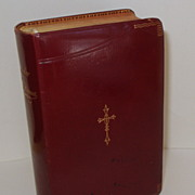 LIVRE D'OR DES AMES PIEUSES.  Exquisite French Prayer Book.  1911 Leather .  Mint condition!!