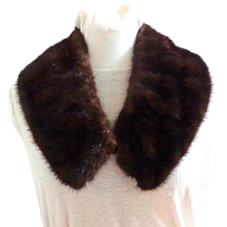 Mink Collar.  Rich Brown.  Large.  Mint Condition.