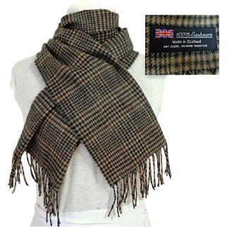 100% Cashmere.  Made In Scotland.  Black & Tan.  Uni-Sex.  Superb Quality.  As New Condition.