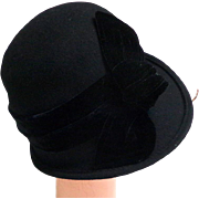 Black Cloche Hat with Silk Velvet Band and Bow.  Quality ++.  As New Condition.