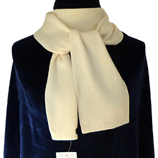 LAND'S END 100% Cashmere Scarf.  Pale Cream. Oblong. MWT.  As New Condition.
