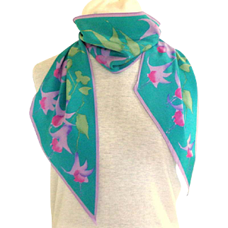 Vera Oblong Scarf. Polyester.  Vintage. Perfect Condition.  Floral Motifs.