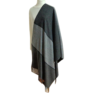 Corrierildo Italian Blanket Scarf / Shawl / Pashmina.  Charcoal, Grey.  Luxurious.  As New Condition.