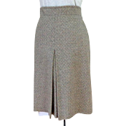 Elegant Wool Skirt. Gray.  Slight A-line.  Front Box Pleat.  Custom Made.  Mint Condition.