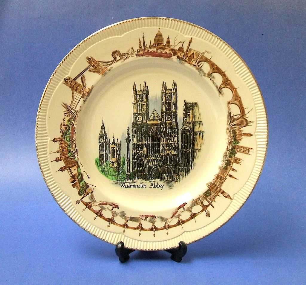 Clarice Cliff  Cabinet Plate.  Westminster Abbey.  1950 period.  Signed.  New condition.