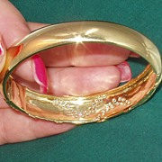 14 KP Gold Diamond Hinged Bracelet Final Markdown!!!!!!